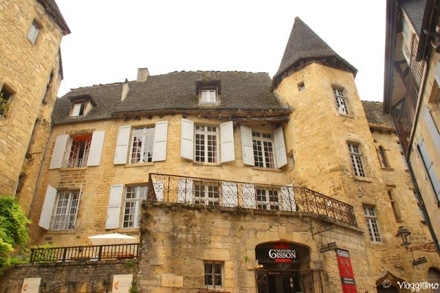 Il Manoir di Gisson di Sarla, Monumento storico visitabile anche all'interno