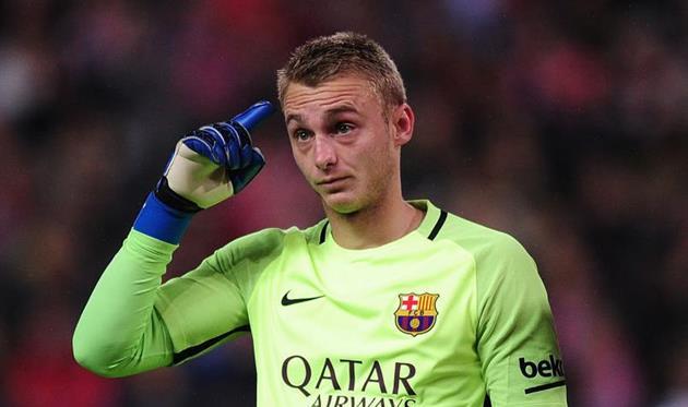 «Барселона» обменяет Силлессена в «Валенсию» на Нето