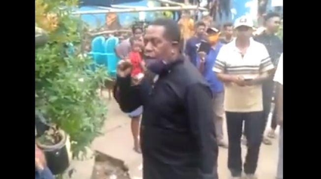Penuh Kejanggalan, Misteri Kematian Adik Penyanyi Edo Kondologit di Kantor Polisi, SIMAK!