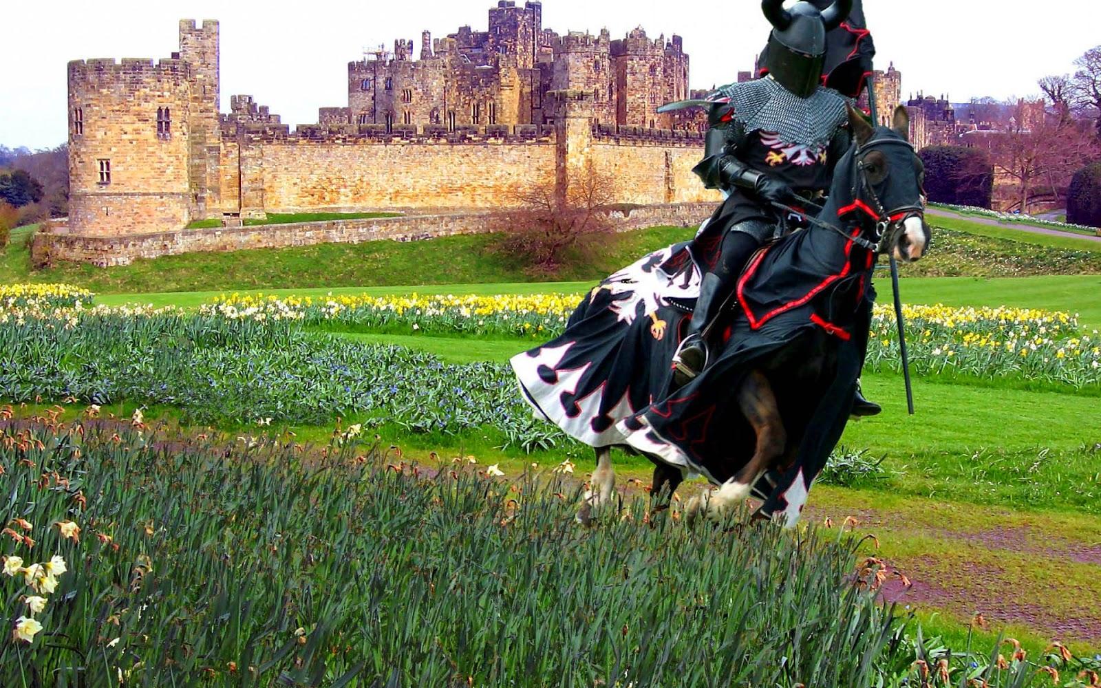 Foto ridder te paard met kasteel op de achtergrond