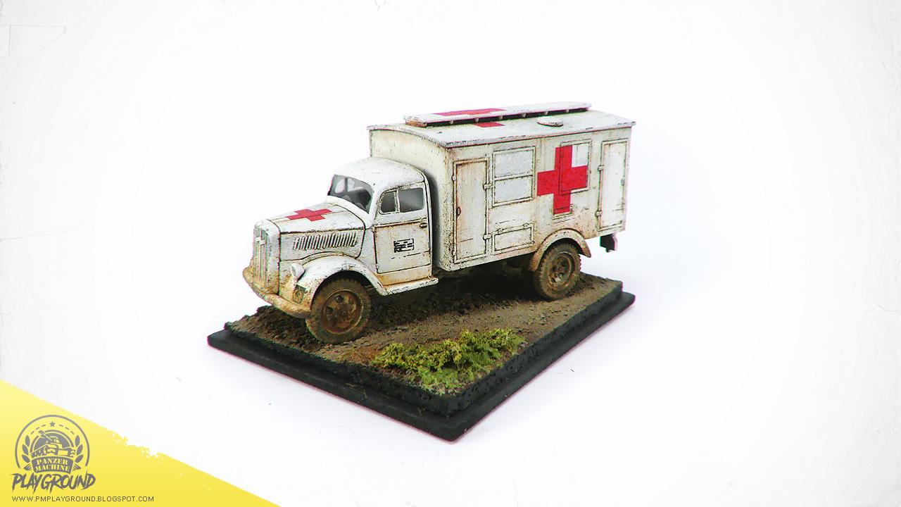 Kfz_305_Ambulance_0004.jpg