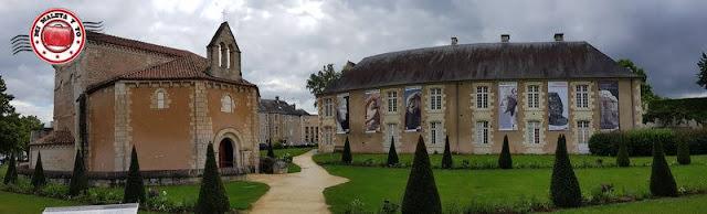 Poitiers - Baptisterio Saint Jean y Museo Santa Cruz