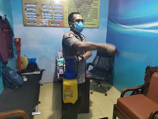 Tanggap, Wakapolres Pelabuhan Makassar  Semprot Cairan Disinfektan Cegah Covid-19