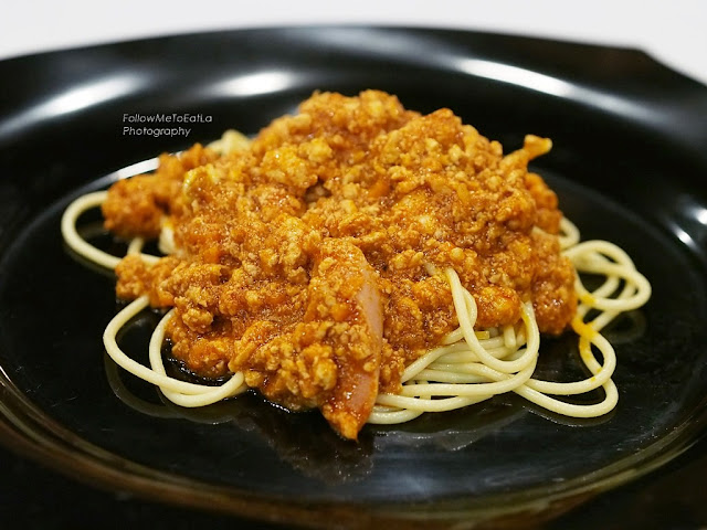 SPAGHETTI WITH CHICKEN BOLOGNAISE RM 9.90 (Inclusive of 1 Scoop Of Ice Cream)