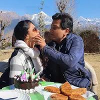 kavita kaushik with here husband
