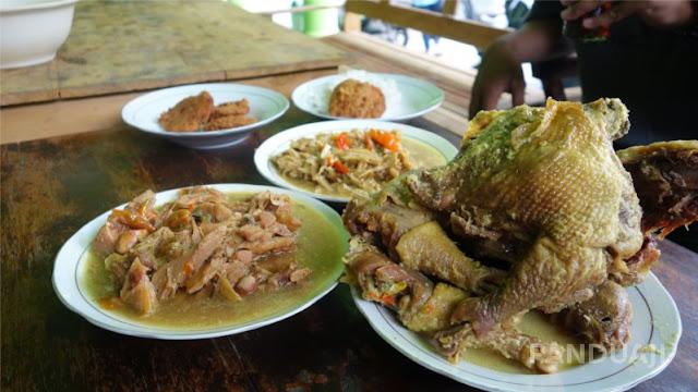 Kuliner Mbah Martumi Blitar