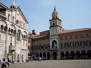 The Duomo and Palazzo Communale in Piazza Grande in the heart of Modena