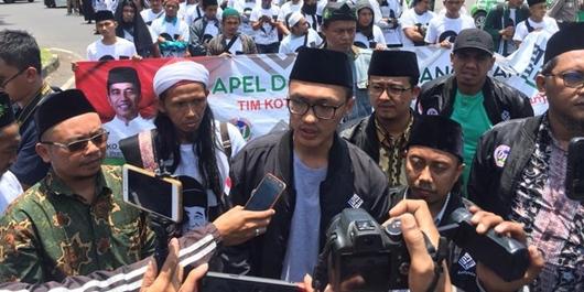 Sindir Emosi Prabowo, Samawi Bilang 'Kalau Mau Dekat Rakyat Jangan di Atas Mobil'