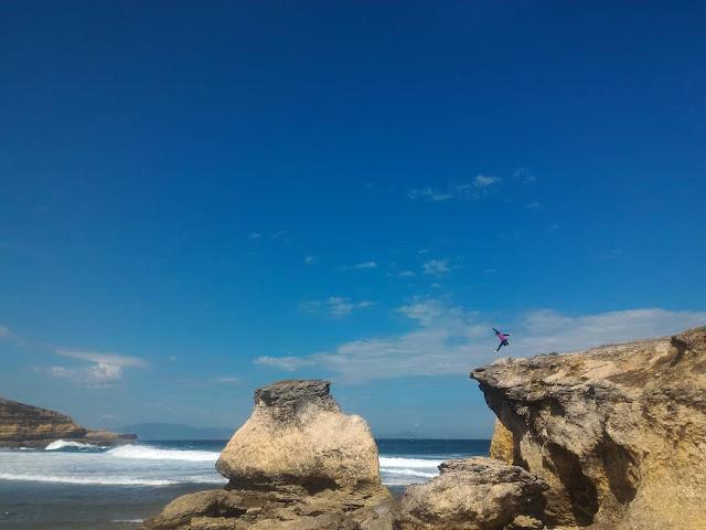 Pantai Penyisok Lombok Timur