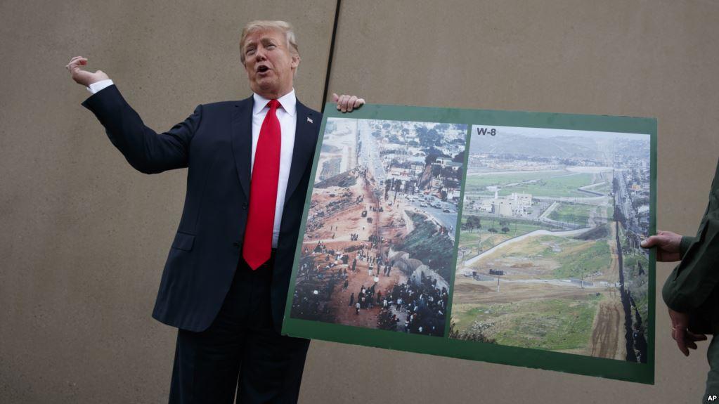 Trump había dicho la semana pasada que veía menos de un 50 por ciento de posibilidades de que los negociadores del Congreso puedan lograr un acuerdo para financiar el muro en la frontera / AP