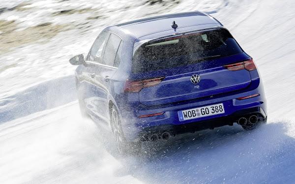 Volkswagen Golf R 2022 chega à Europa com pacote Performance