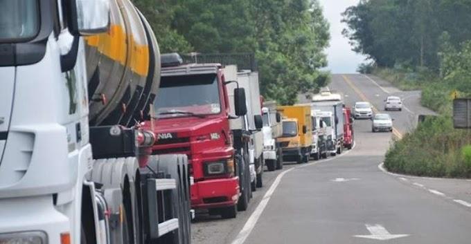 POSSÍVEL PARALISAÇÃO: Após reunião, caminhoneiros descartam paralisação.