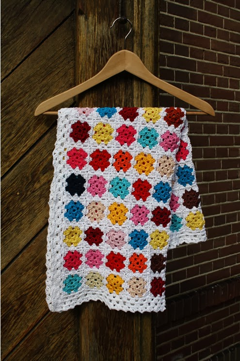 Granny square blanket | Happy in Red