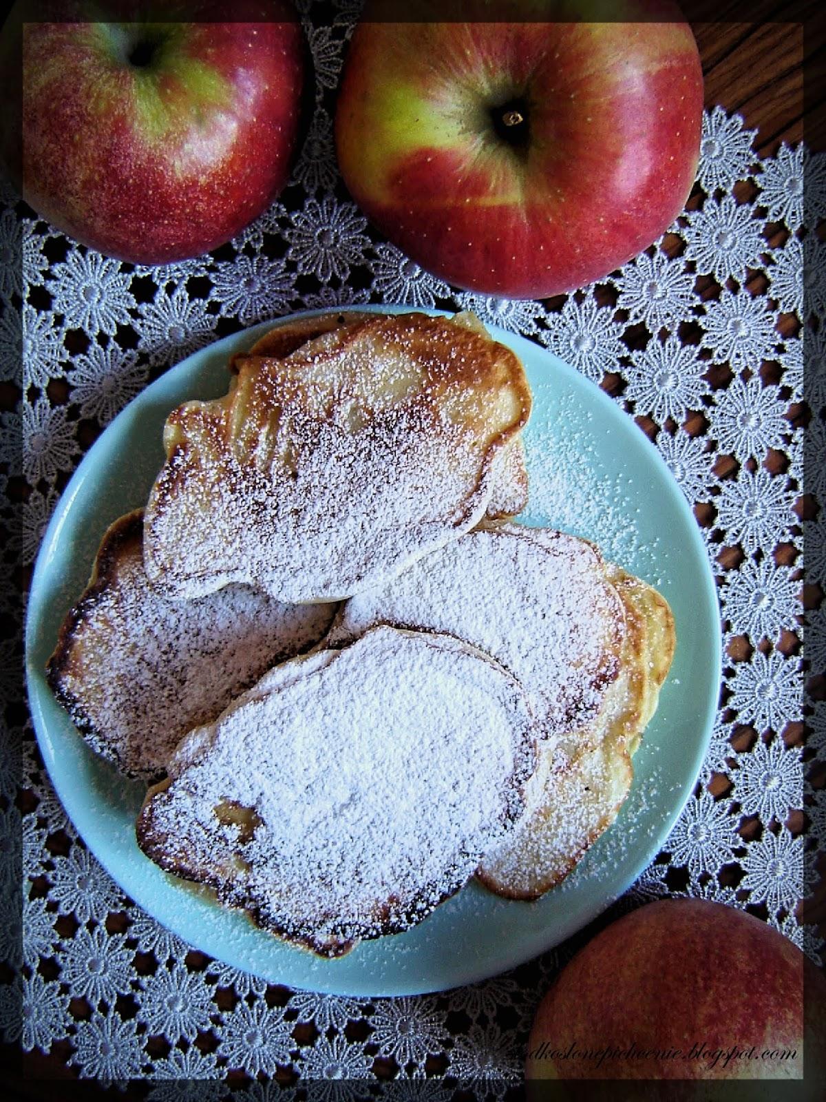Placuszki na kefirze z jabłkami