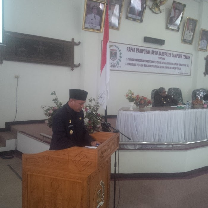 DPRD Lampung Tengah Gelar  Rapat Paripurna Pengesahan 7 Raperda.