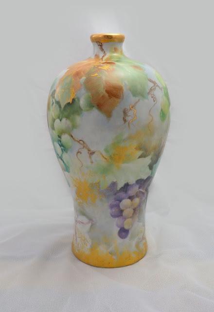 釉上彩與歐式風格的展現 - 葡萄梅瓶,瓷畫, 瓷繪, 釉上彩, 瓷器彩繪, 手繪瓷器, Porcelain Painting