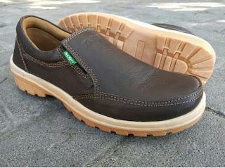 rekomendasi sepatu casual pria