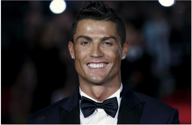The soccer star Cristiano Ronaldo hits the 250m record Followers on Instagram