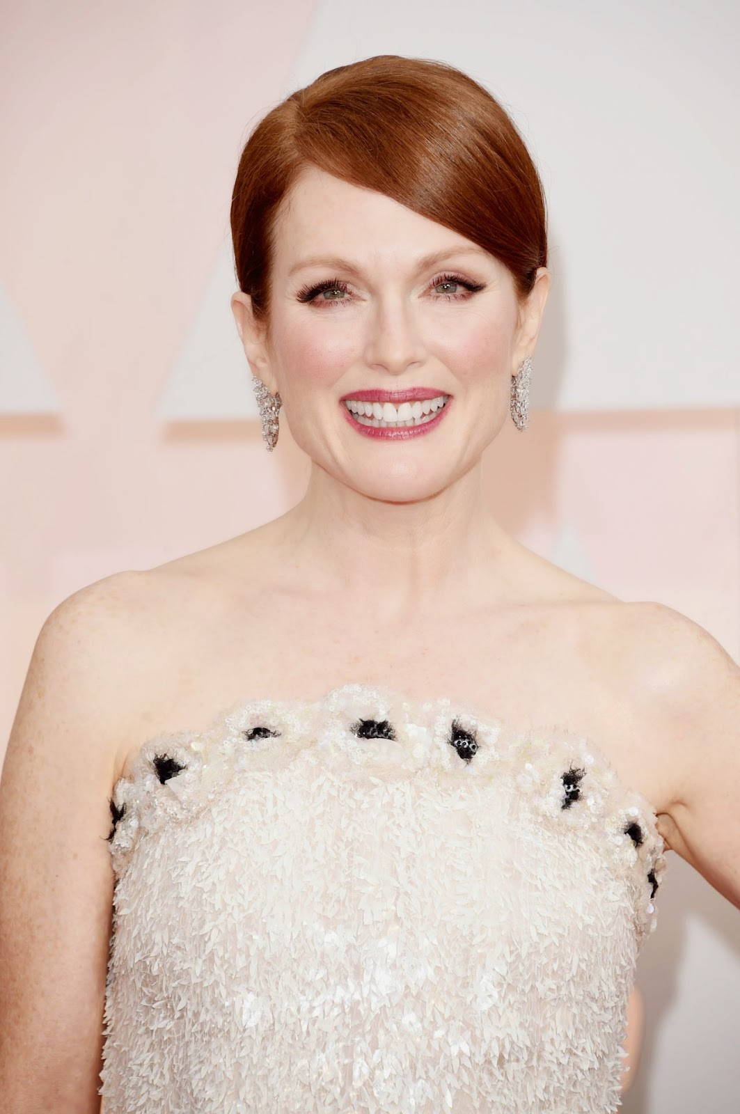 Julianne Moore in a sequinned Chanel dress at the 2015 Oscars in Hollywood