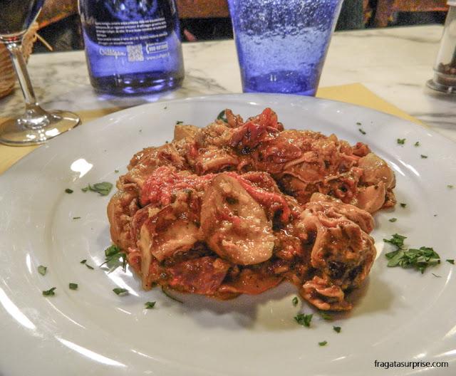 Restaurante em Florença: lampredotto servido na Osteria San Nicolò