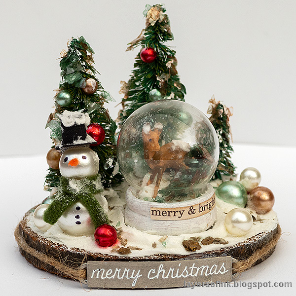 Layers of ink - Christmas Forest with Snowglobe Tutorial by Anna-Karin Evaldsson.