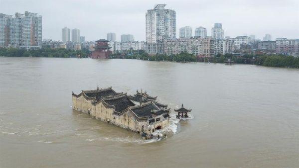 China pone en alerta provincias del norte por intensas lluvias