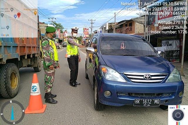 Pos Pengendalian PPKM Level 4, Personel Jajaran Kodim 0207/Simalungun Turut Laksanakan Bersama Dinas Terkait