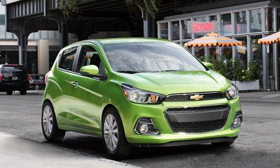 Chevrolet Spark: Lime color