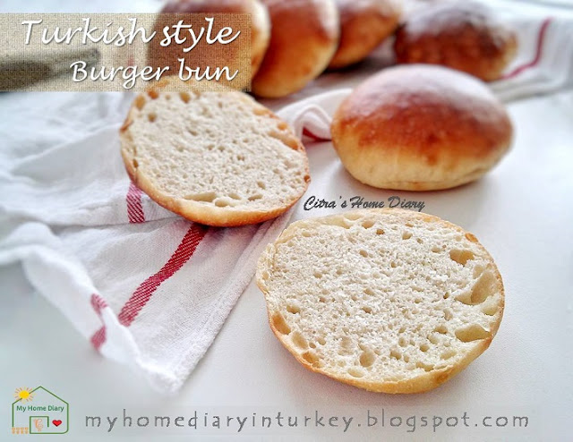 Tombik Ekmek (poolish ön mayası) / Turkish style burger bun recipe. Poolish method | Çitra's Home Diary. #poolishmethod #poolishbread #bigabread #burgerbun #burgerbread #turkishbread #tombikekmek #önmayası #reseprotikhasturki #resepmakananturki #reseprotiburger