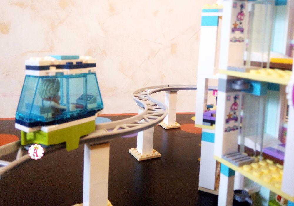 Лего Френдс Хартлейк Сити курорт с рельсами и трамвайчиком