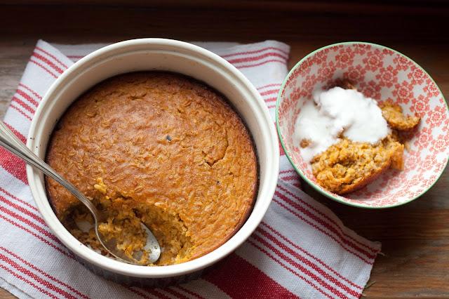 Pieczona owsianka dyniowa z cynamonem