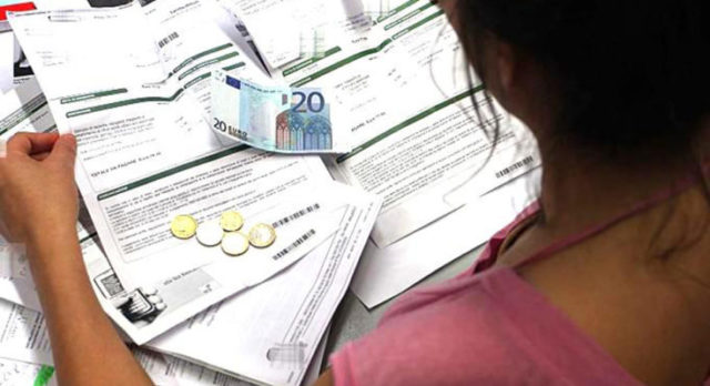 Coldiretti: bollette costano 1320 euro a famiglia all'anno