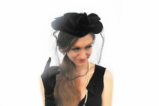 https://www.etsy.com/listing/465547091/1950s-gothic-wedding-veil-millinery