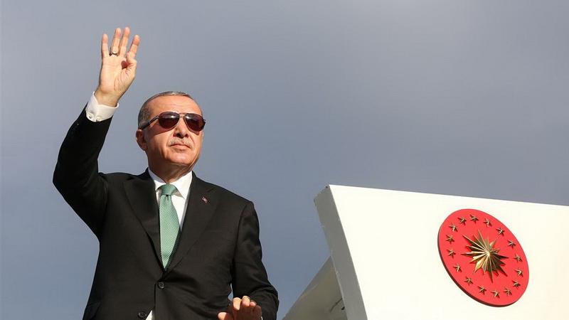 Η Τουρκία τρεκλίζει...