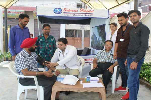 supreme-hospital-faridabad-free-health-check-up-camp-in-dayalbag