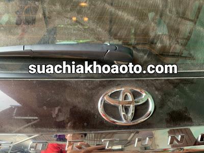 Thợ Làm Chìa Khóa Xe Oto Toyota . Mở Khóa Xe Oto . Độ Gập Điều Khiển Khóa Xe Oto . Làm Thêm Chìa Khóa Smartkey Xe Oto  Tại Nhà