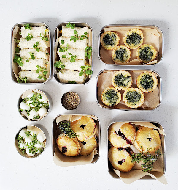 Forage picnic in containers