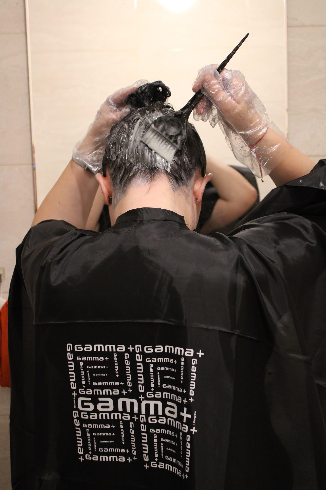Samodzielne farbowanie włosów krok po kroku Fryzomania