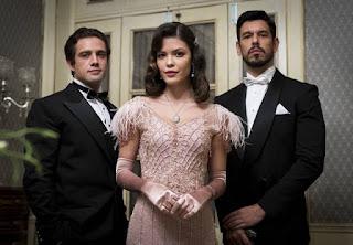 A história de Julia Castelo (Vitória Strada), Danilo (Rafael Cardoso) e Gustavo Bruno (João Vicente de Castro) ultrapassou o tempo em 'Espelho da Vida'