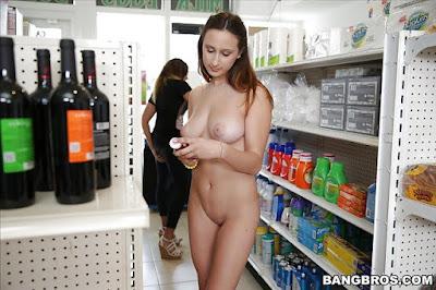 cewek bugil ngentot di minimarket