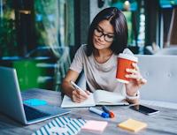 Pengertian Freelance, Syarat, Cara Kerja, Contoh, Kelebihan, dan Kekurangannya