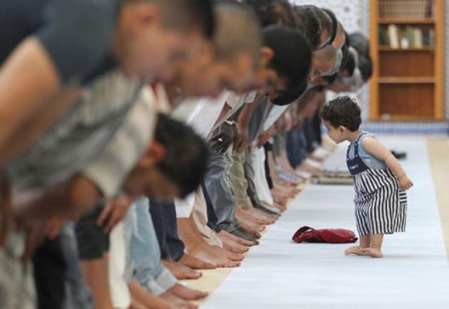 Jangan Pernah Usir Anak Kecil yang Ramai di Masjid, Karena Sebenarnya Mereka...