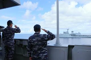 Lintasi Samudera Hindia KRI Sultan Hasanuddin-366 Latihan Passex Dengan Kapal Perang India