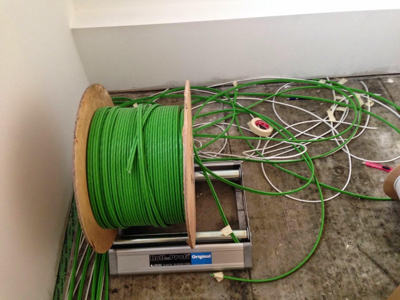 christian danielas baublog elektroinstallation einziehen der kabel. Black Bedroom Furniture Sets. Home Design Ideas