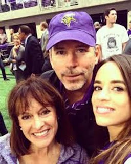 Smiths Parents And Sister