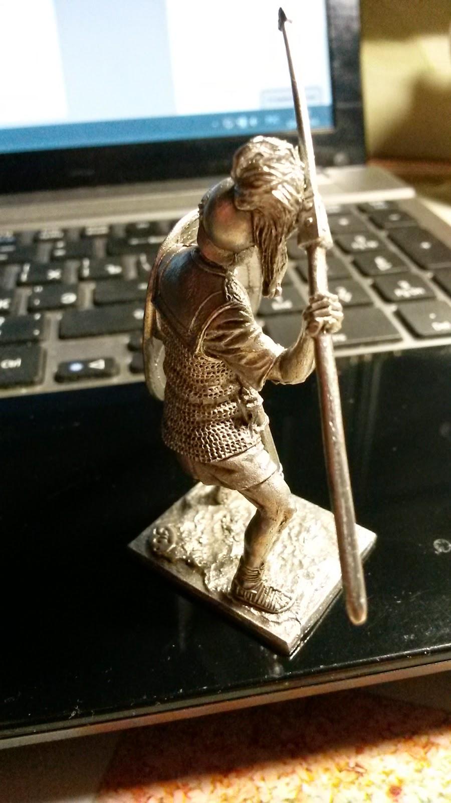 Оловянный солдатик Римский легионер вид сзади