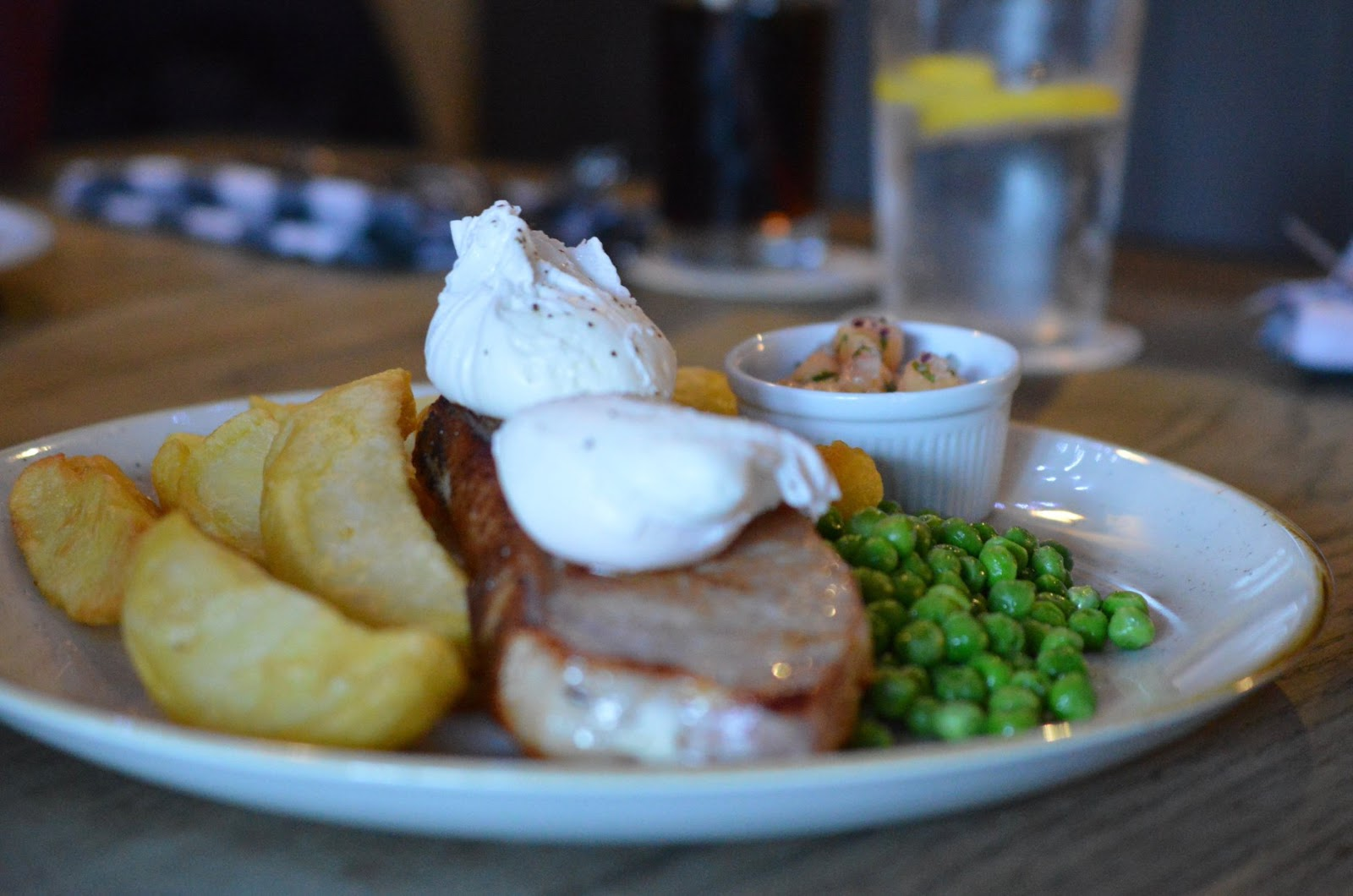 St Mary's Inn Stannington | Saturday Lunch Menu Review (with kids) - Bacon chop with poached eggs