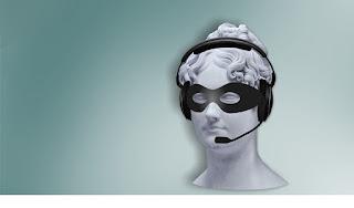 ヘッドセット着用のマネキン頭部の写真