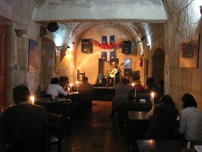 Café Art Montreal, donde salir en Arequipa, lugares para salir en Arequipa, fiesta en Arequipa