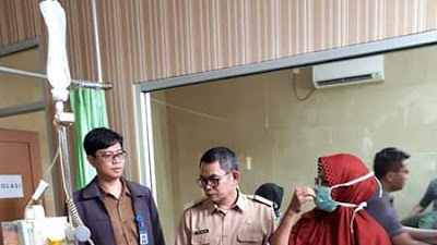 Wakil Bupati Sukabumi Kunjungi Korban Keracunan